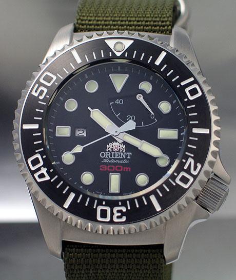 Plongeuse 300m tout acier Orient_300m_cfd0c001b_s