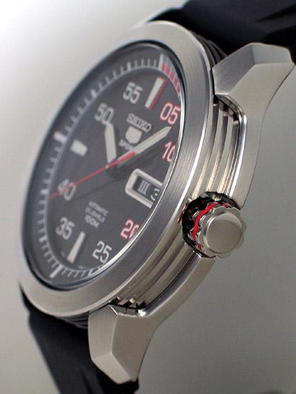 Seiko 5 Motor Sports Snzh69k Yeoman 39 S Watch Review