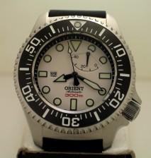 Pictures of my Orient 300m Saturation Diver – EL02003W